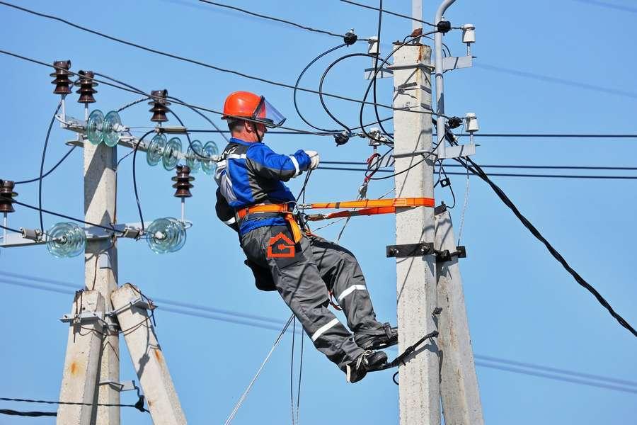 Подключение электричества к участку: как правильно это делать + документы для подключения