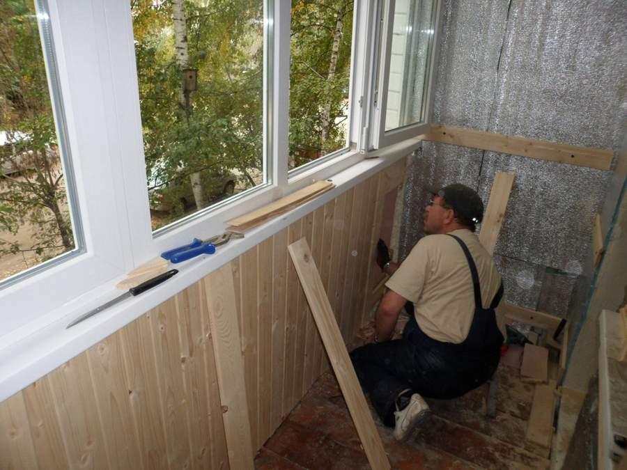 Отделка балкона вагонкой: как правильно обшить + пошаговая инструкция