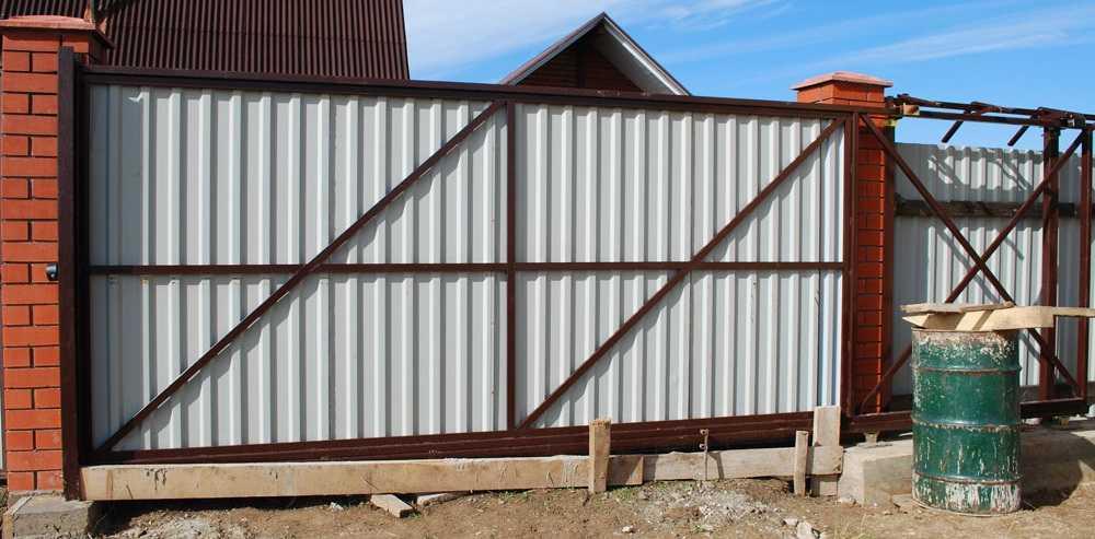 Как сделать откатные ворота: схема, поэтапная инструкция