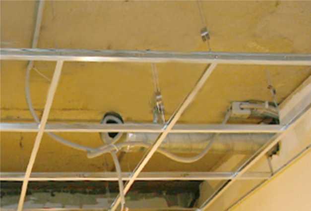 Потолок армстронг: устройство, виды, монтаж, характеристики, размеры плитки, фото + видео