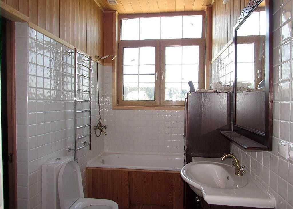Ванная комната в деревянном доме: отделка, материалы, как сделать