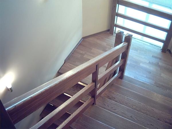 Перила для лестниц: металлические, деревянные и стеклянные (50 фото)