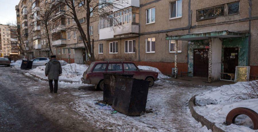 Площадка для мусорных контейнеров: нормы, ГОСТы, требования к размерам ограждения территории
