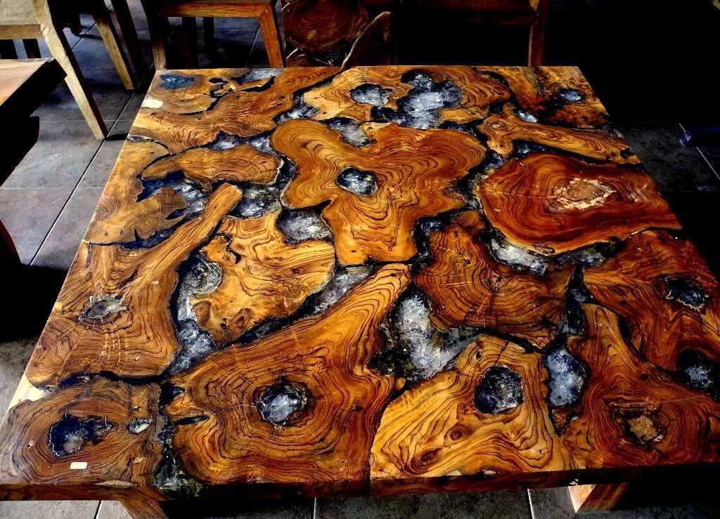 Изготовление стола из эпоксидной смолы и дерева своими руками