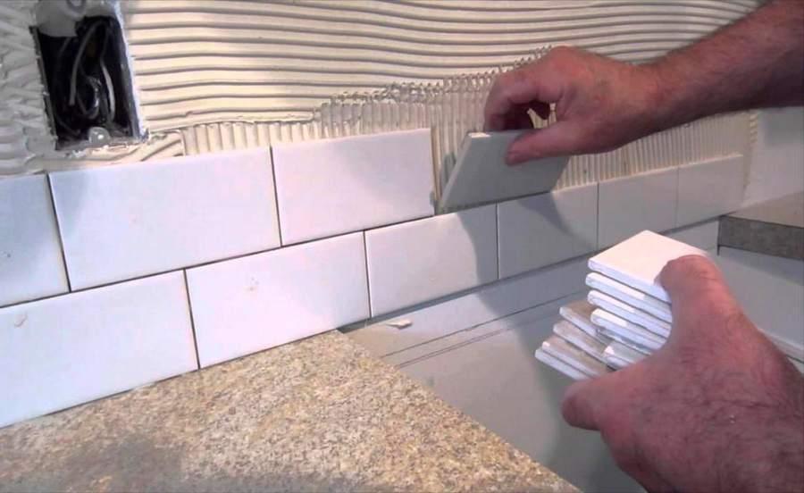 Укладка фартука из плитки на кухне самостоятельно: подробная инструкция (фото + видео)