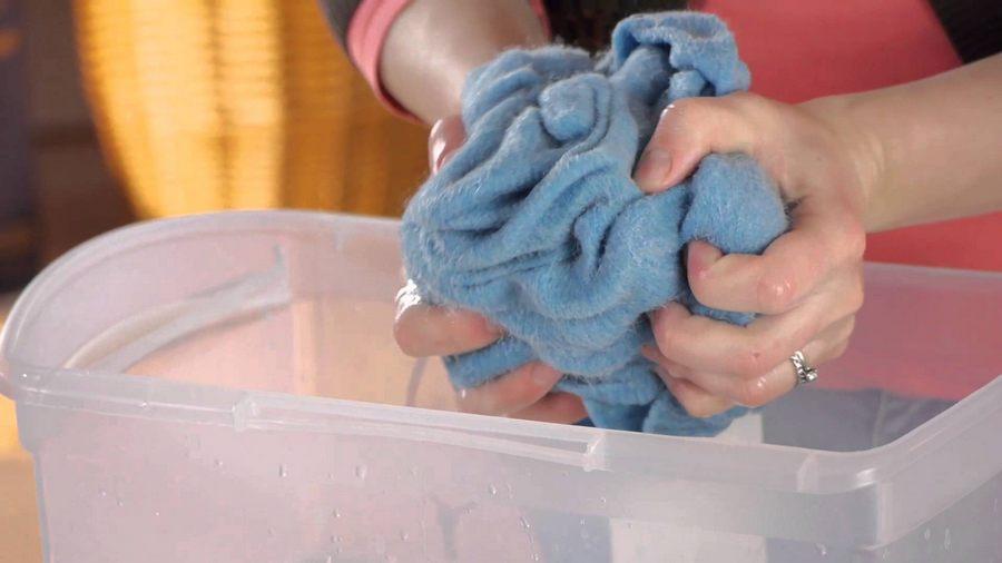 Как закрепить краску на ткани в домашних условиях - чтобы не линяла
