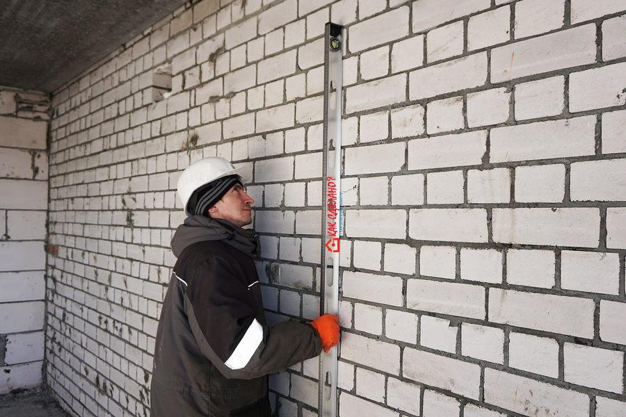 Штукатурка стен по маякам своими руками - как штукатурить правильно