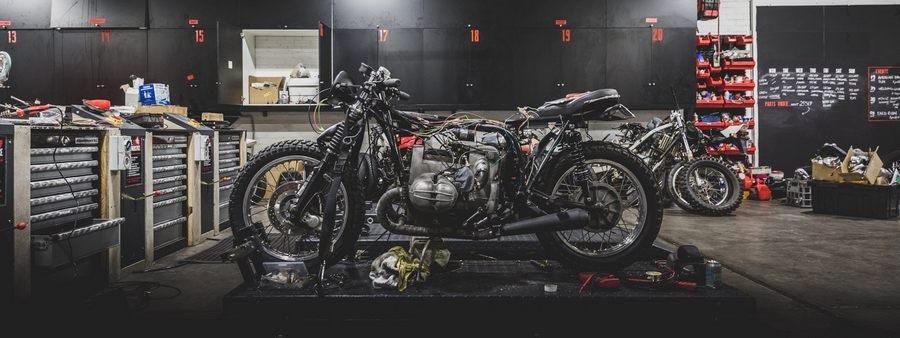 Гараж для мотоцикла: материалы, строительство своими руками + фото