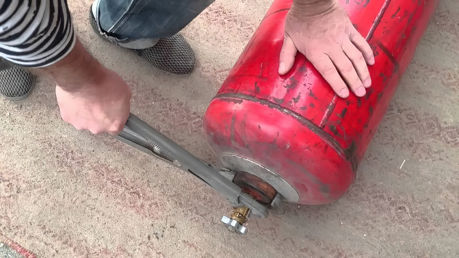 Замена вентиля газового баллона: как сделать это самостоятельно?