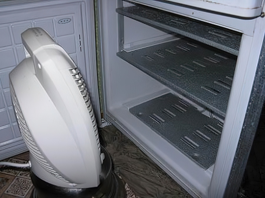 Как разморозить холодильник быстро и правильно: инструкция и советы
